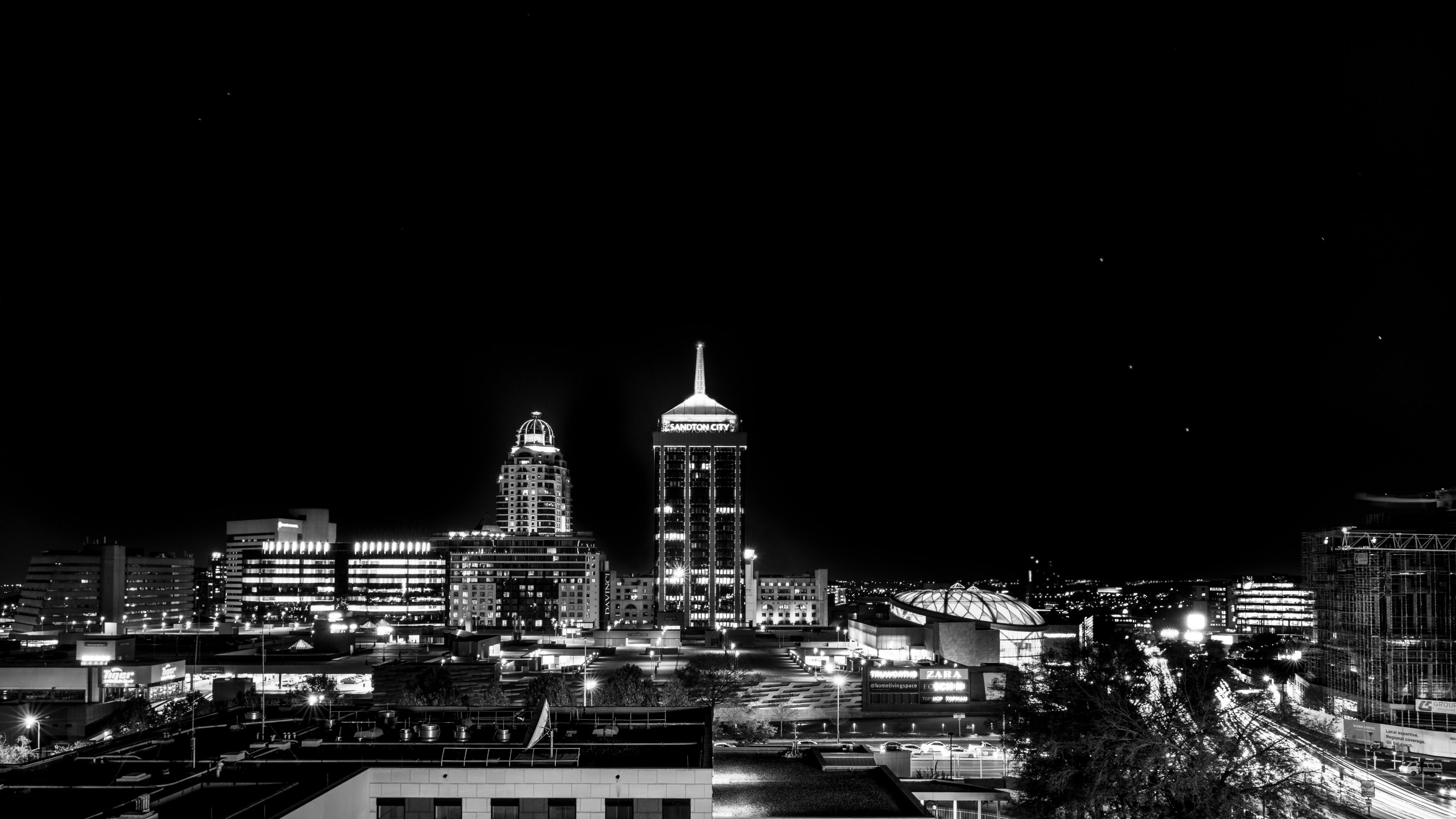 Sandton_City_at_night