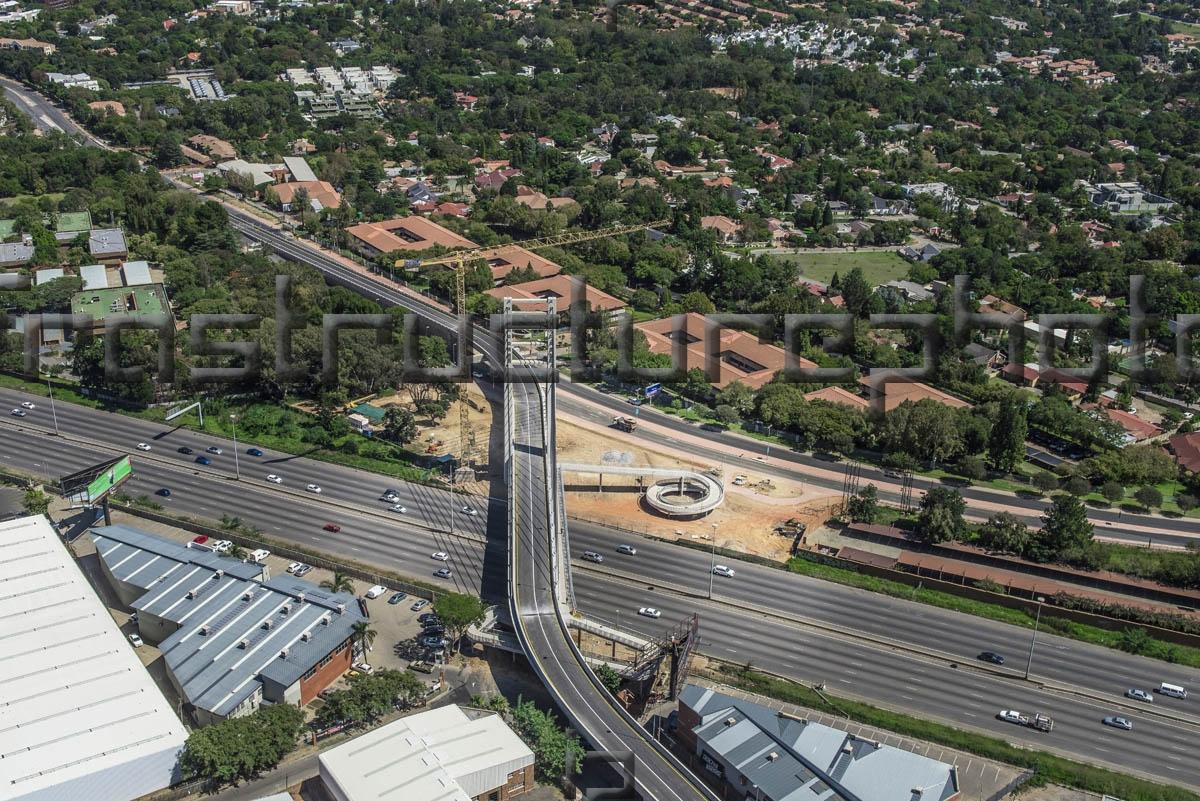 M1_Alex Katherine Reya Vaya Bridge