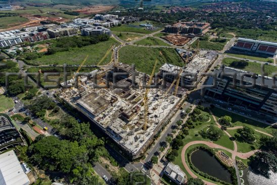 The iconic Park Square development, which is located in the fast-growing Umhlanga Parkside node adjacent to CJ Saunders Park and opposite the Gateway Theatre of Shopping Centre, will have a 4-Star Green Star Design. Once completed, Park Square will offer 40000m2 of Gross Lettable Area (GLA) of which 4000m2 will be for retail usage, while the remaining 36000m2 will be commercial space, 18000m2 of which will be A-grade offices.