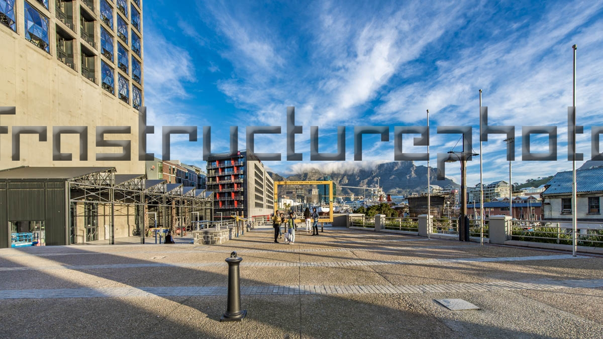Radisson Red Hotel V & A Waterfront